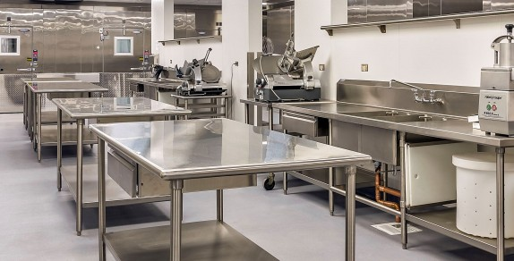 stainless-steel-commercial-kitchen-574x292 - Ganirco